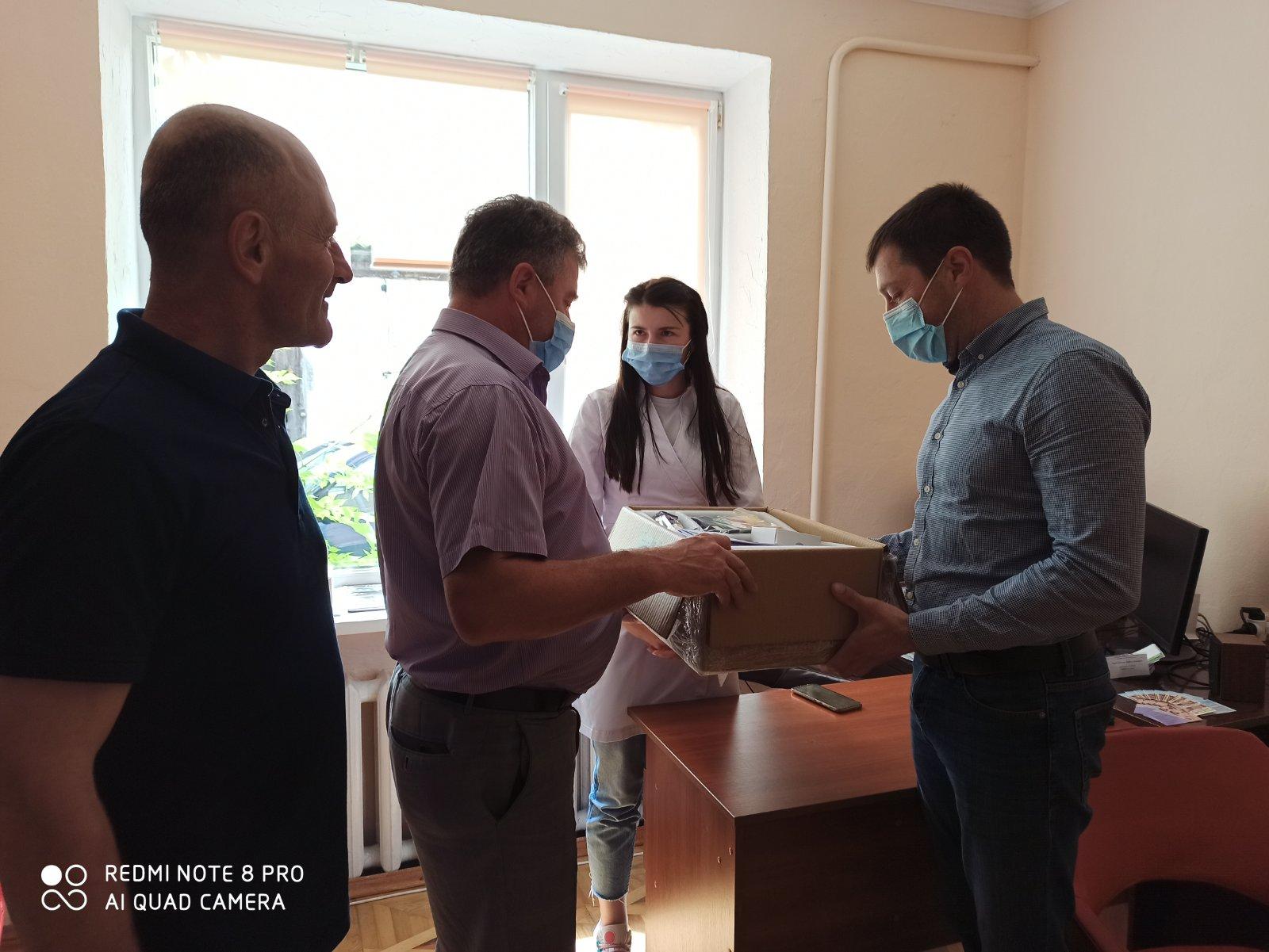 Новий електрокардіограф отримала сільська амбулаторія на Косівщині (ФОТО)