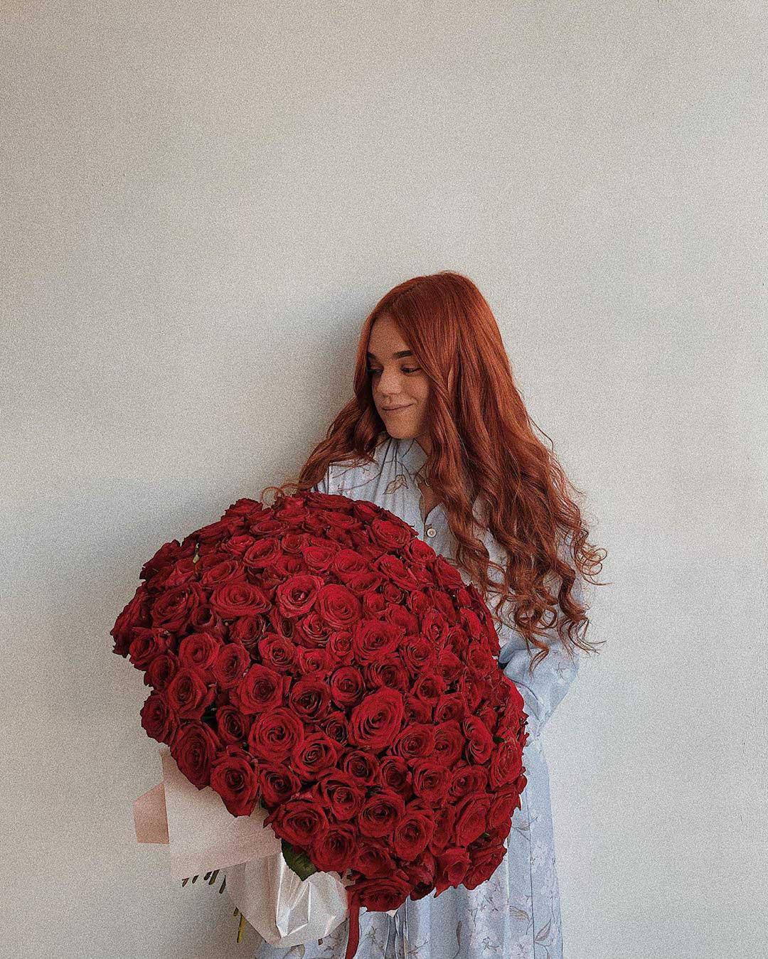 """""""Подобається, що вдома завжди квіти"""": юна франківська блогерка поділилась історією кохання (ФОТО)"""