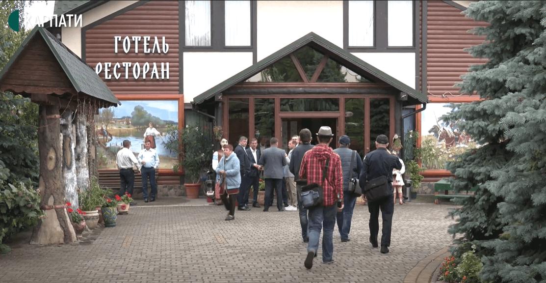На Тисмениччині перевірили 16 готелів, ресторанів і кафе. Виявили п'ять порушень карантину (ВІДЕО)