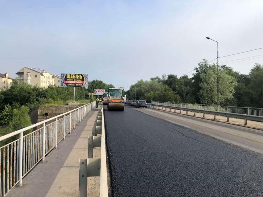 Триває масштабний ремонт дороги Івано-Франківськ – Надвірна (ФОТО)