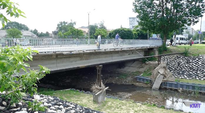 У Калуші облаштовують алею на березі річки Сівка (ВІДЕО)