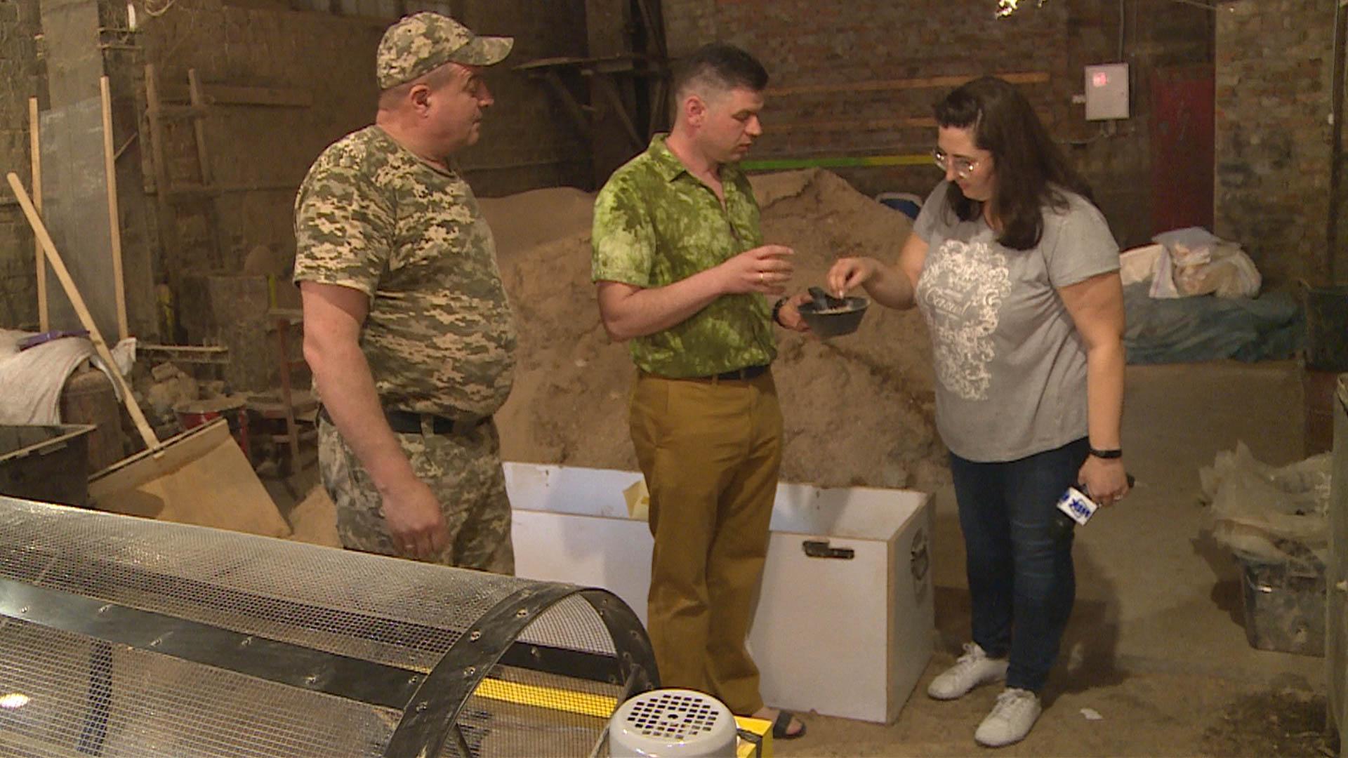 Ветеран АТО облаштував у Коломиї безвідходне виробництво меблів (ВІДЕО)