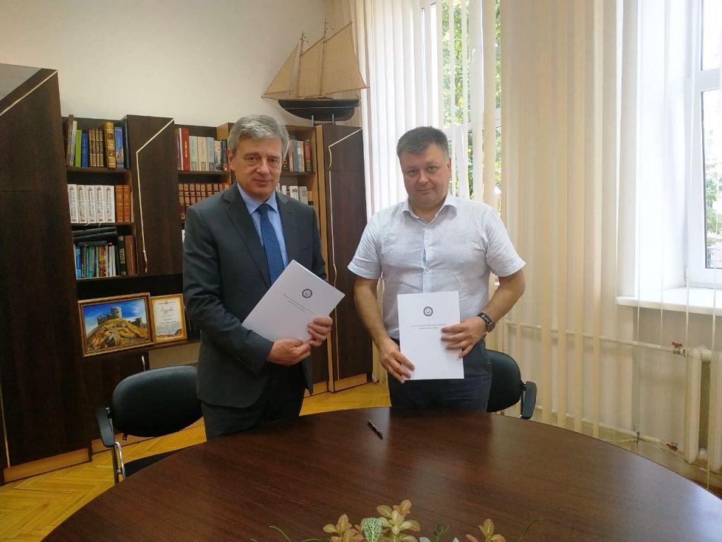 Франківські науковці та рятувальники спільно відновлюватимуть обсерваторію на Попівані (ФОТО)