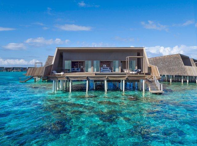 Рай на землі: на Мальдівах відкрили величезний готель, який частково побудований на воді (ФОТО)