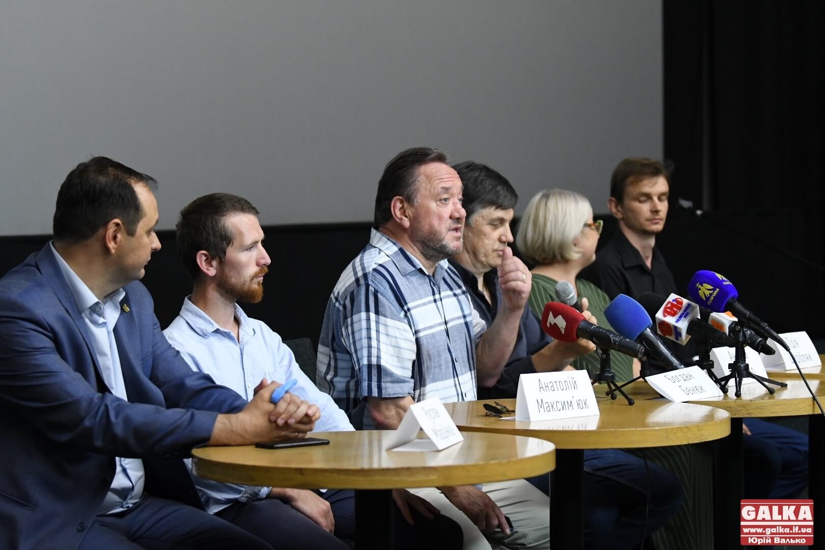 «За посмішками бачимо трагедію»: в Івано-Франківську презентували стрічку про бійців «Східняк» (ФОТО)