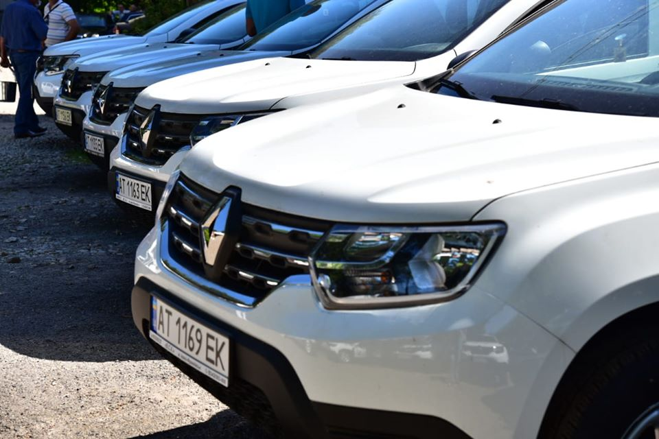 На Рогатинщині сімейні лікарі отримали 13 новеньких автомобілів (ФОТО)