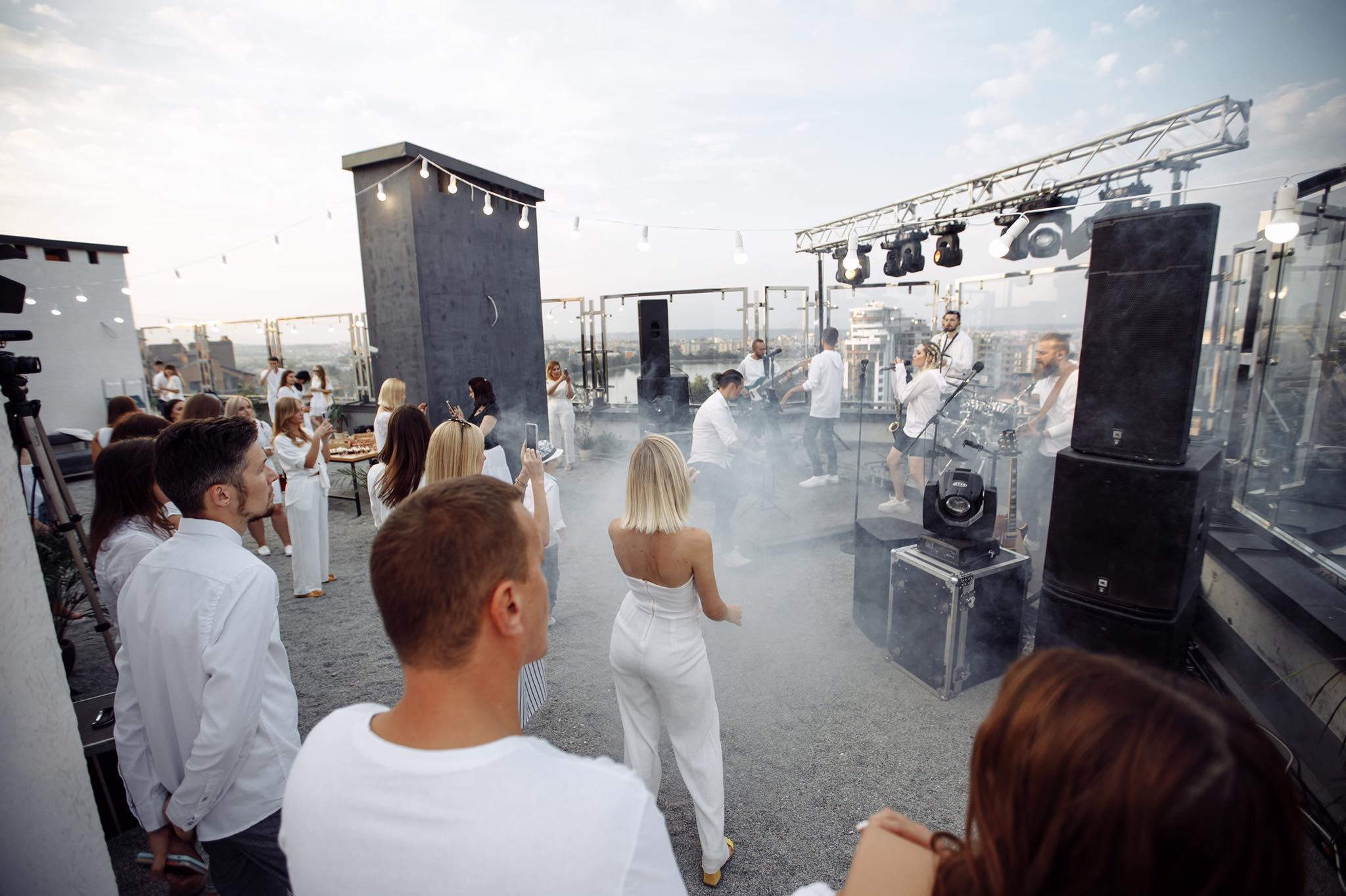 Драйвовий концерт на даху 12 поверху: вперше у Франківську (ФОТО)