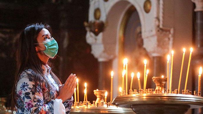 Прикарпатцям нагадують, як поводитися у церквах і храмах в умовах пандемії коронавірусу