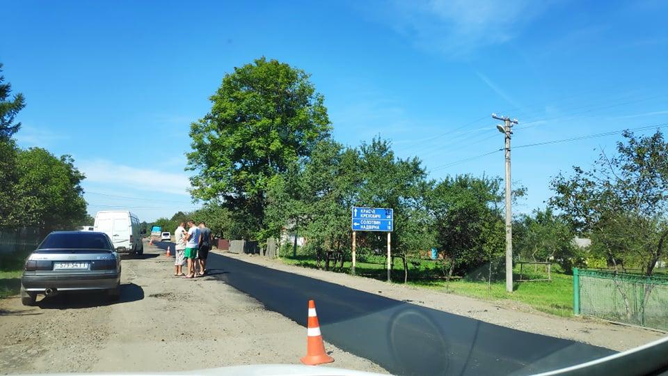На Богородчанщині почали ремонтувати дорогу, через яку протестували люди (ФОТО)