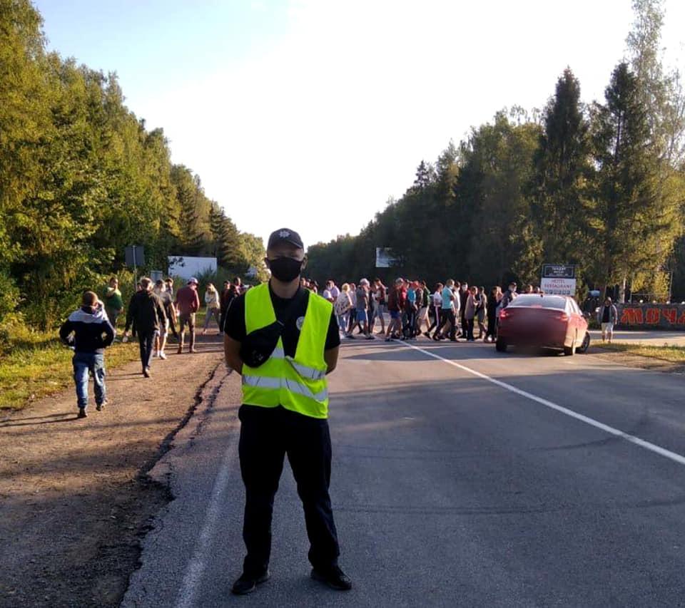 У Богородчанському районі люди продовжують перекривати дорогу держзначення (СХЕМА ОБ'ЇЗДУ)