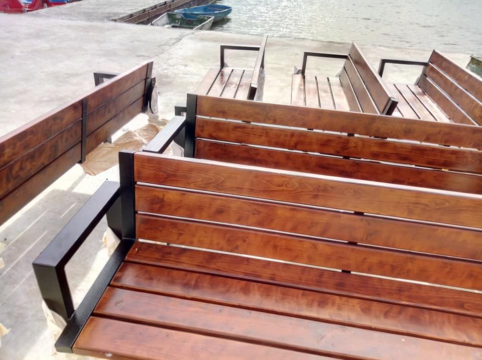 Навколо міського озера встановлять 26 нових лавок (ФОТО)