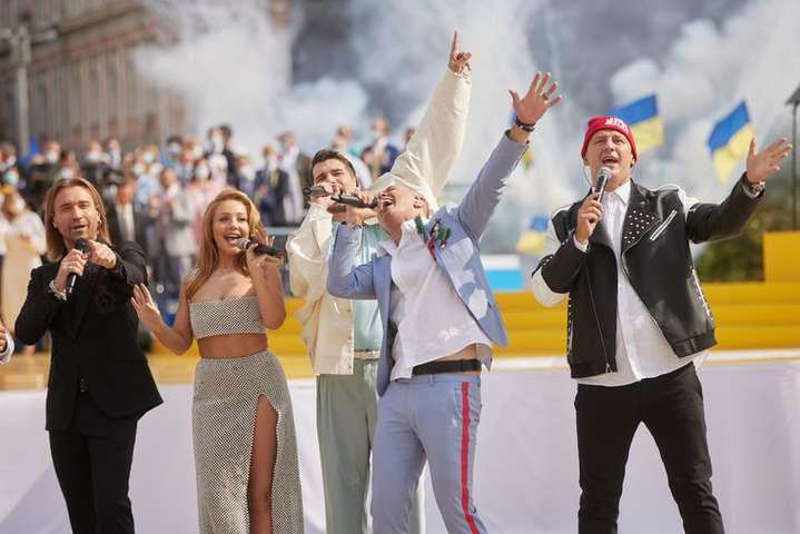 Концерт Зеленського потрапив у скандал: митці не давали дозвіл на використання своїх пісень