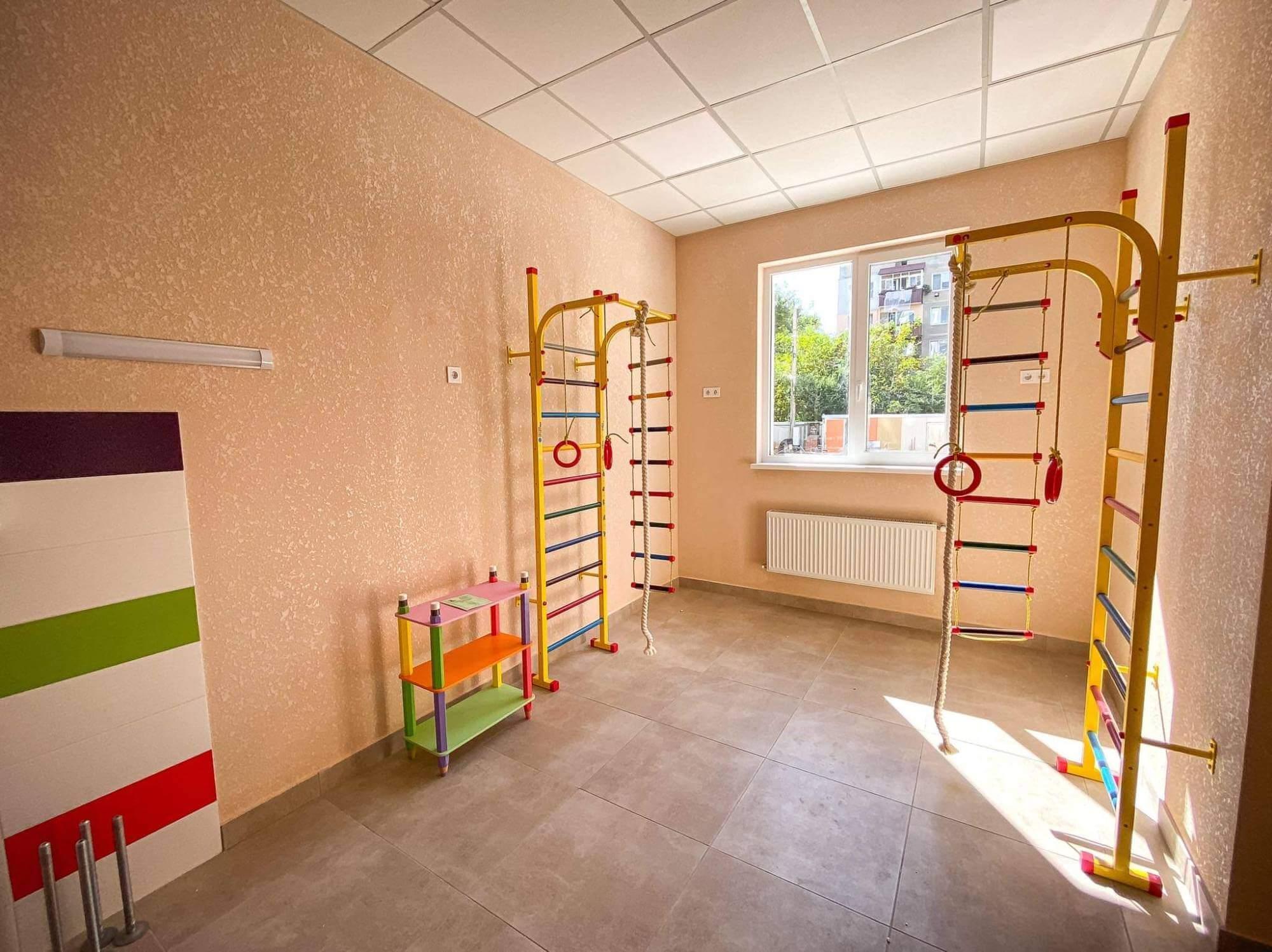 Івано-Франківськ отримав сучасне приміщення під дитячу поліклініку  (ФОТО)