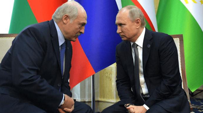 Протести у Білорусі: Путін пообіцяв Лукашенку військову допомогу