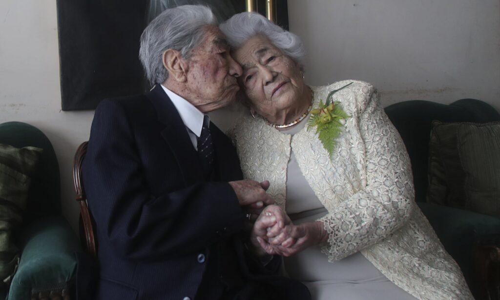 Разом 79 років: назвали найстарішу пару у світі (ФОТО)