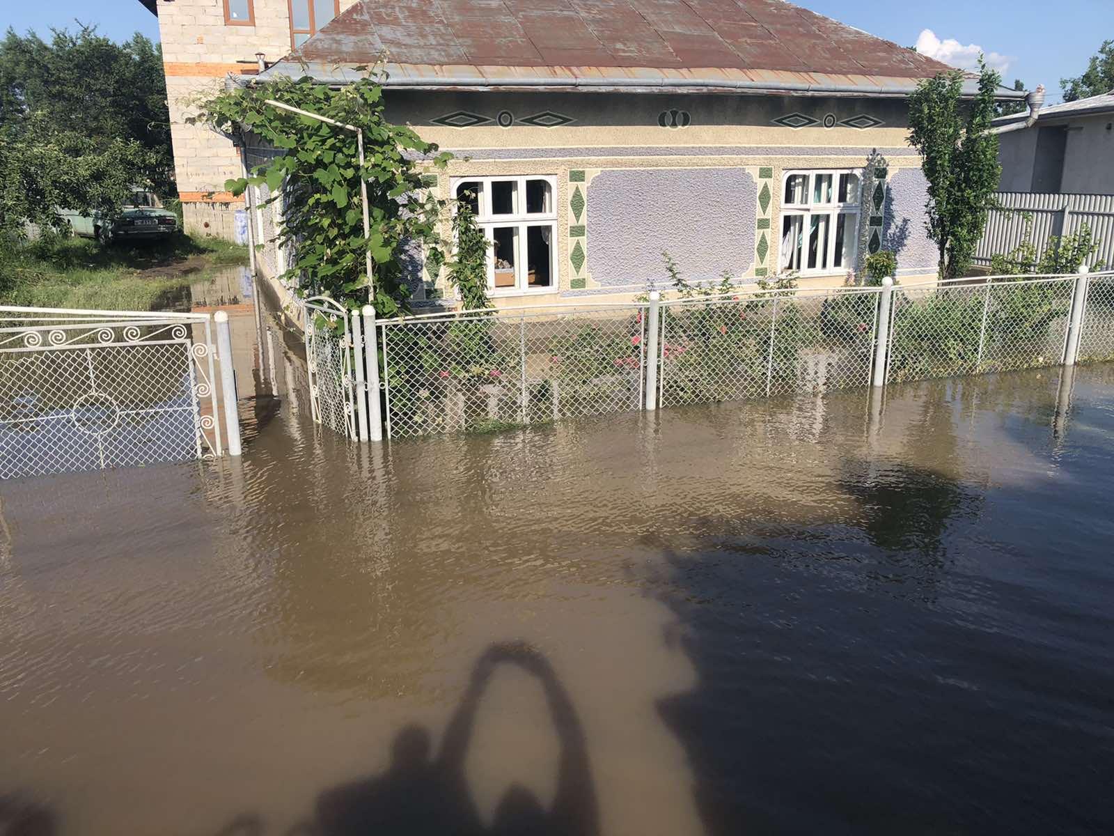 У Тисмениці родина не згідна з компенсацією після повені, влада каже, що вона справедлива (ФОТО)