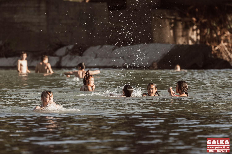 Штраф 50 тисяч: після трьох смертей на Бистриці Марцінків оголосив про заборону купання у річці