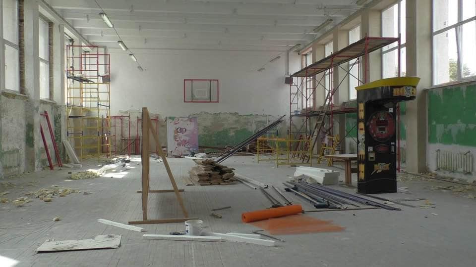 У Долині капітально ремонтують спортзал для фехтувальників (ФОТОФАКТ)