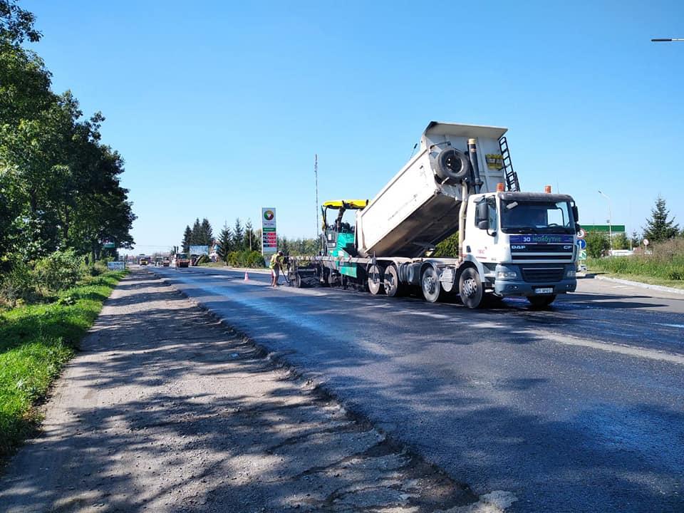 Ремонт дороги національного значення триває на Снятинщині (ФОТО)
