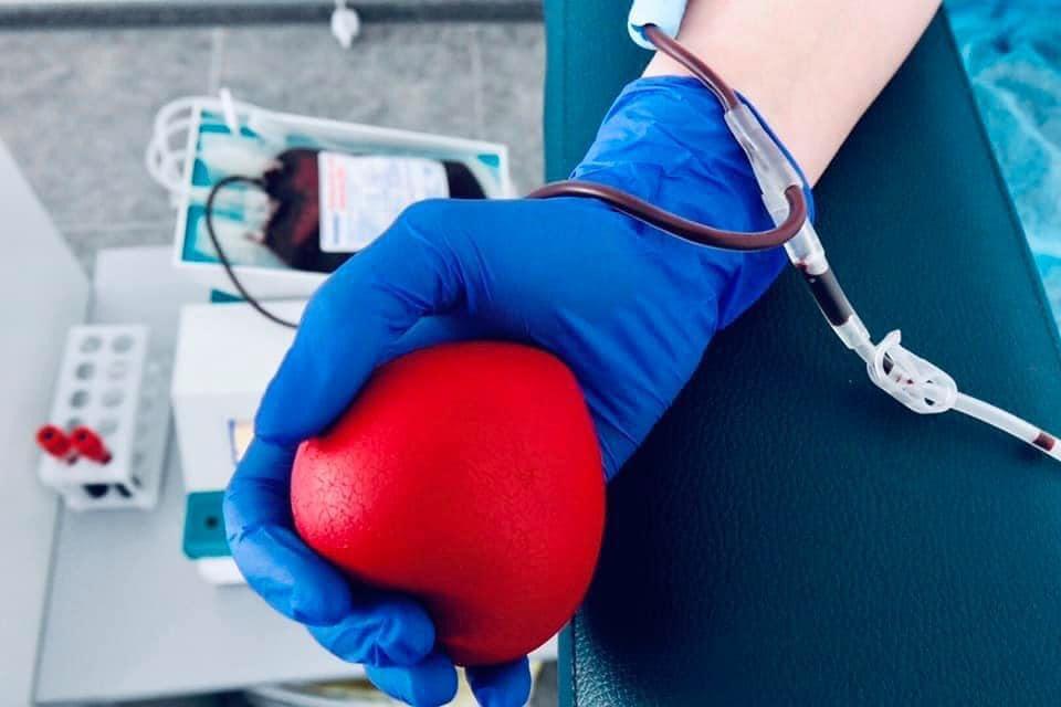 В Україні скасували заборону для представників ЛГБТ-спільноти бути донорами крові