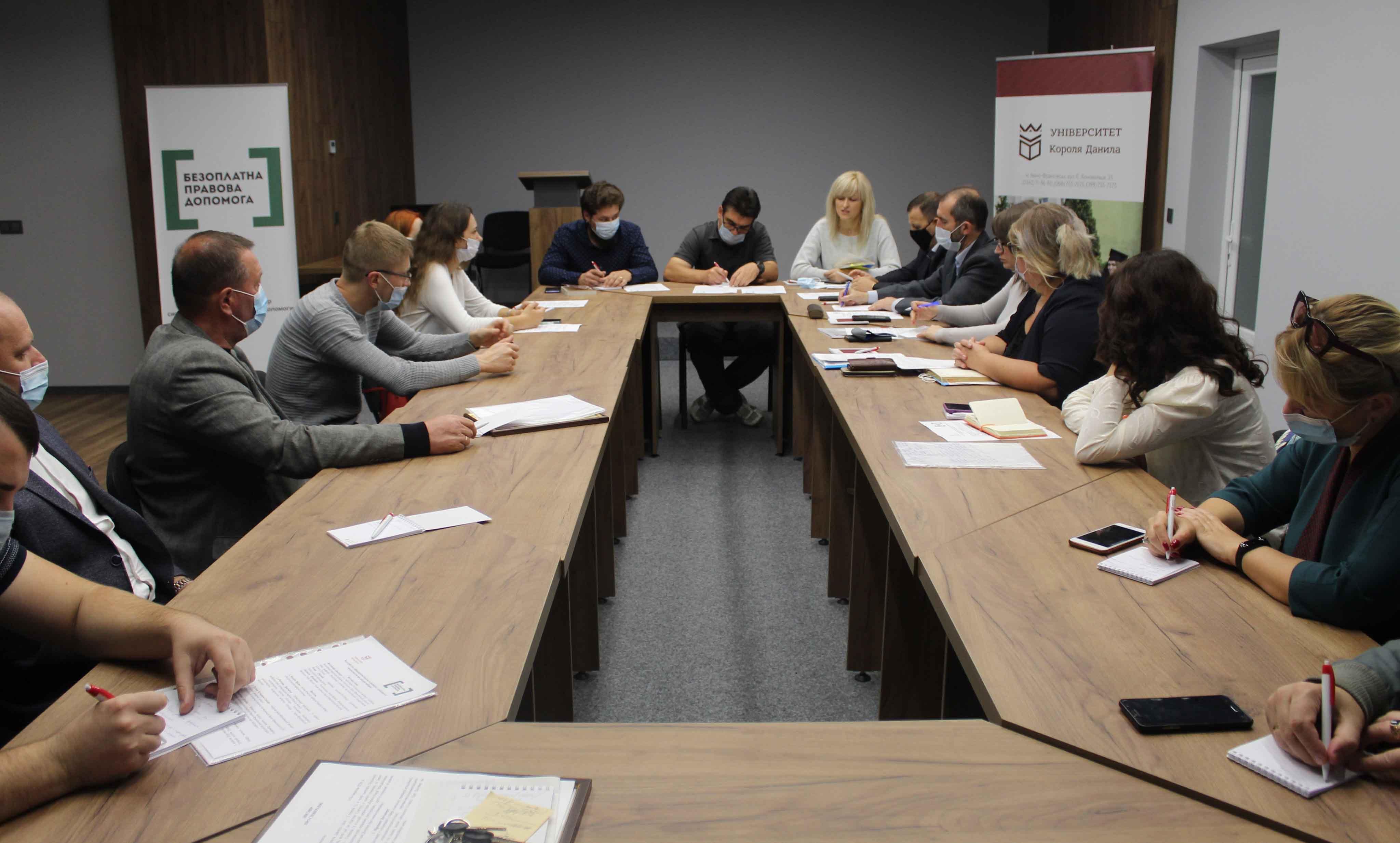 У Франківську говорили про особливості цьогорічних місцевих виборів (ФОТО)