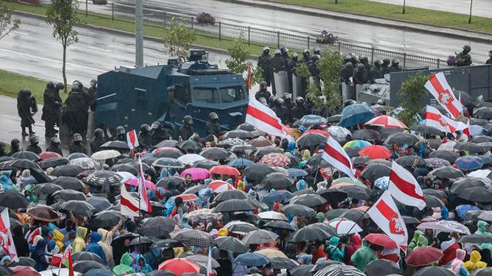 Марш єдності в Мінську: понад 100 тисяч учасників, десятки затриманих (ФОТО, ВІДЕО)