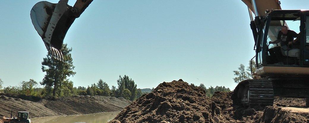 У Нижньому Вербіжі люди вийшли проти масштабного укріплення дамби (ВІДЕО)
