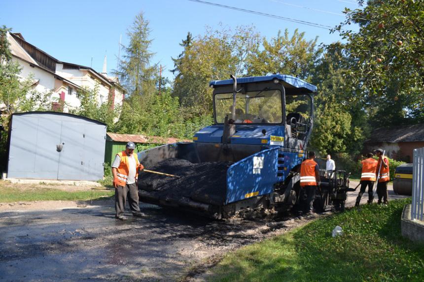 Сім доріг відремонтували у Тисмениці, які зруйнувала червнева негода (ФОТО)