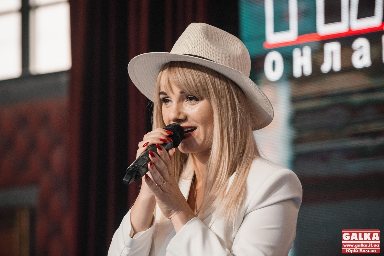 Співачка Христина Попадинець презентувала новий кліп «Париж» (ФОТО, ВІДЕО)
