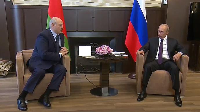 Лукашенко випросив у Путіна 1,5 млрд доларів у борг
