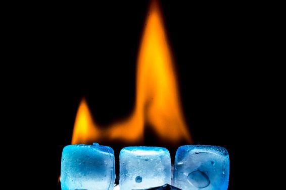 На Прикарпатті оголосили про заморозки і... пожежну небезпеку