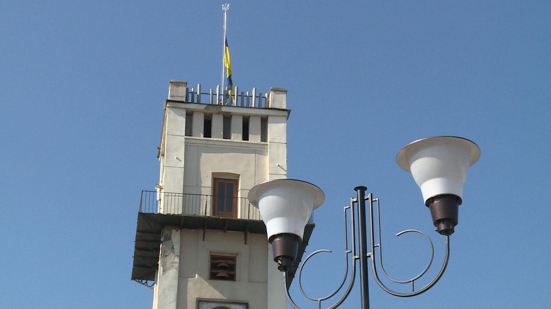 У центрі Коломиї повністю оновлюють вуличне освітлення (ВІДЕО)