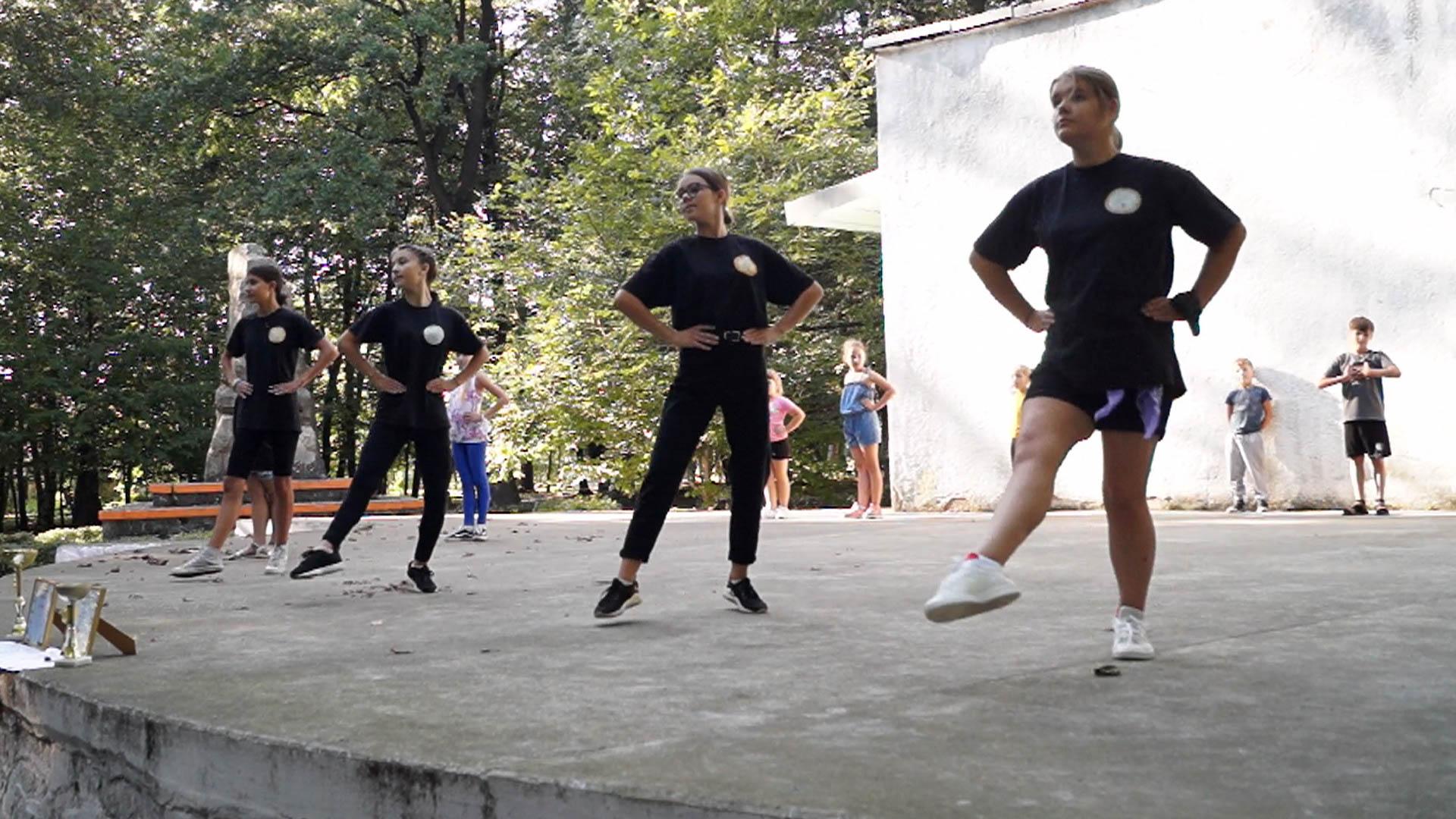 Коломийські танцюристи перемогли на фестивалі в Болгарії (ВІДЕО)