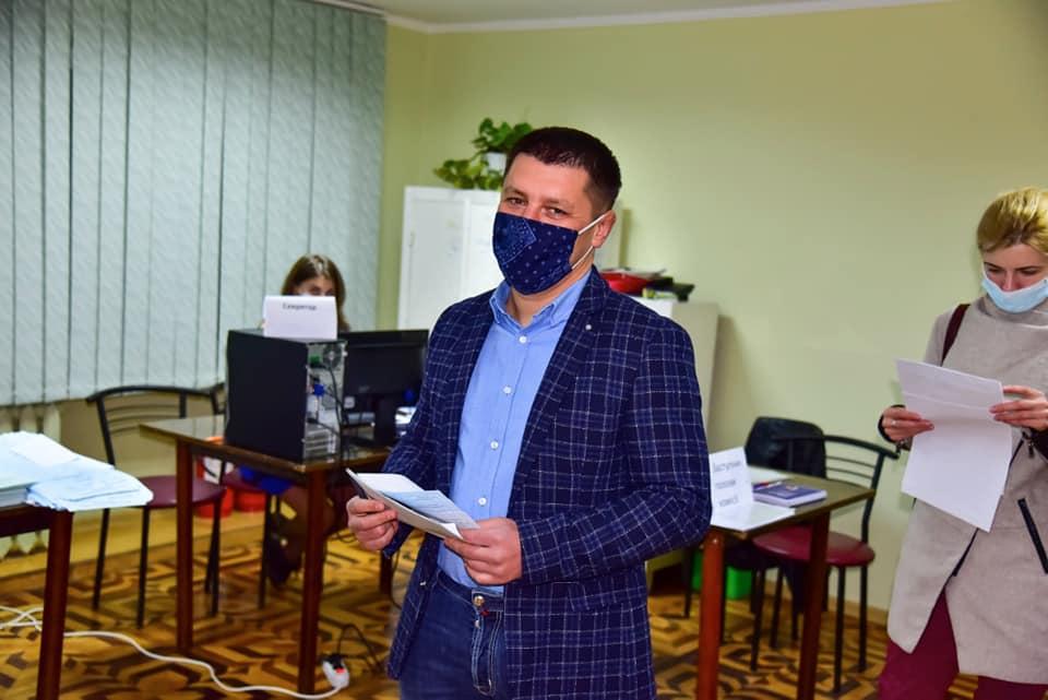 Важливий старт формування місцевого самоврядування, – нардеп Прощук проголосував і закликає інших не ігнорувати вибори (ФОТО)