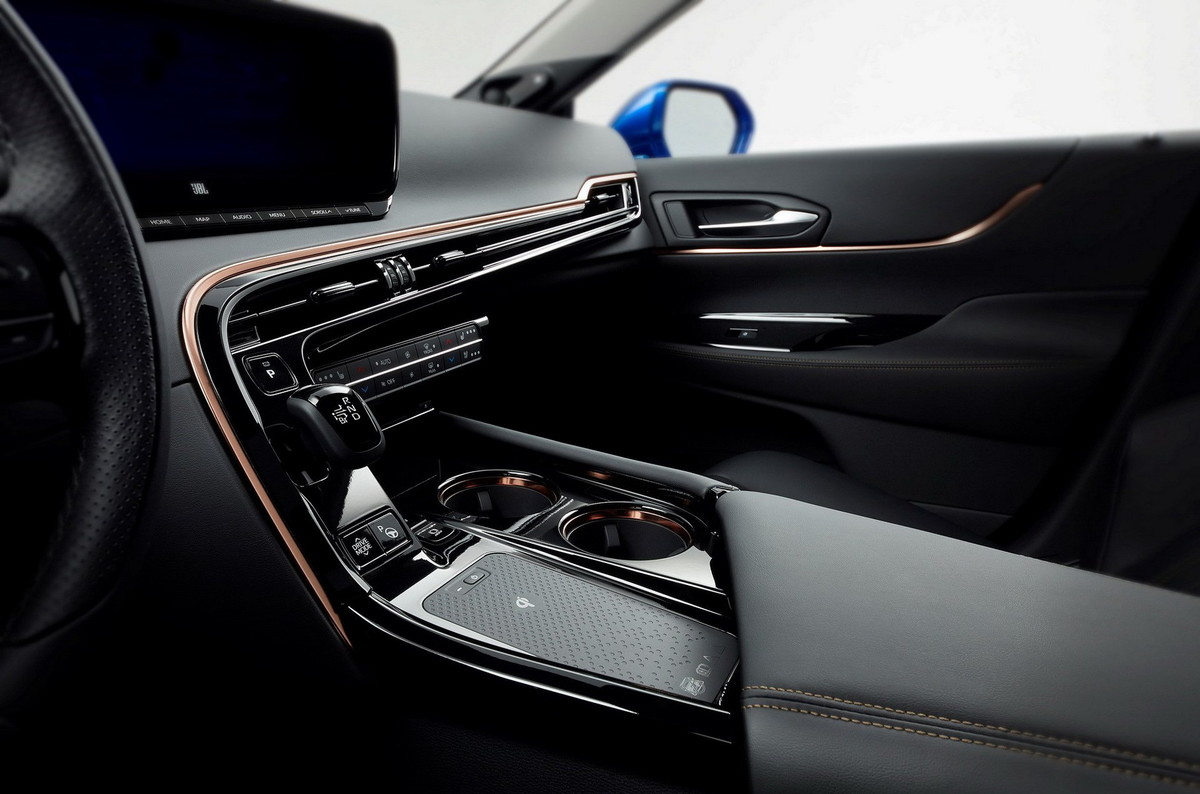 Toyota анонсувала презентацію революційного електромобіля на водному паливі