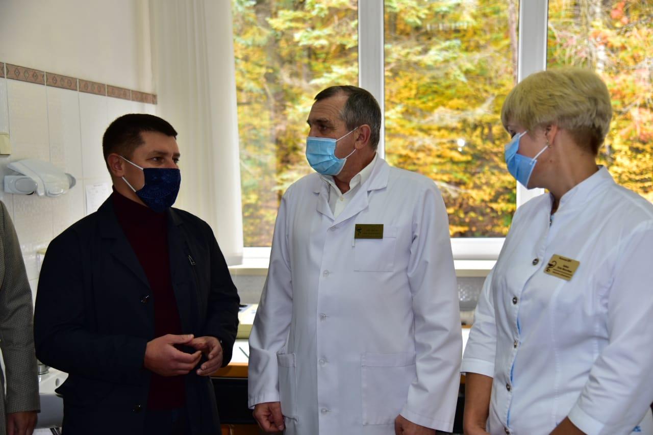 Медзаклади Рогатинщини і Калущини отримали нове коштовне обладнання, – нардеп Прощук (ФОТО)