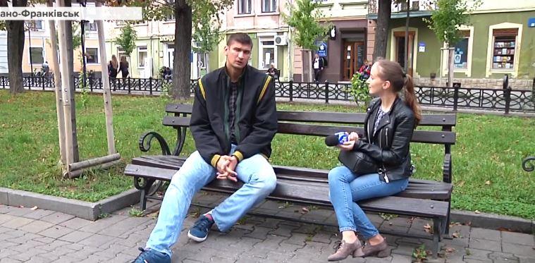 Найвищий українець родом з Прикарпаття: Роман Гуменюк розповів, як зріст допомагає і заважає в житті (ВІДЕО)