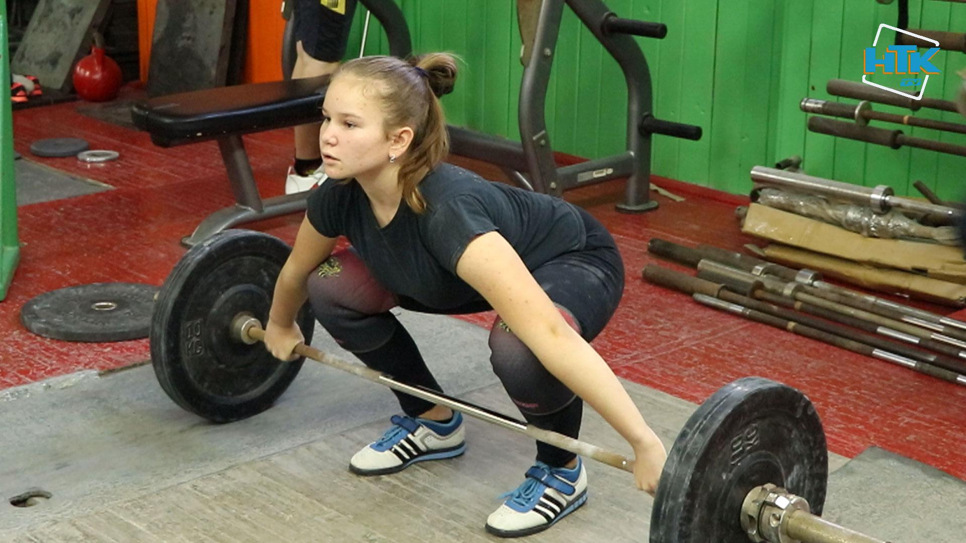 Юні прикарпатські важкоатлетки – серед найкращих на Чемпіонаті України (ВІДЕО)