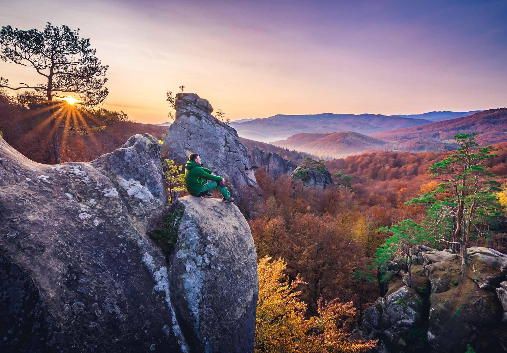 У мережі показали красу осінніх Скель Довбуша (ФОТО, ВІДЕО)