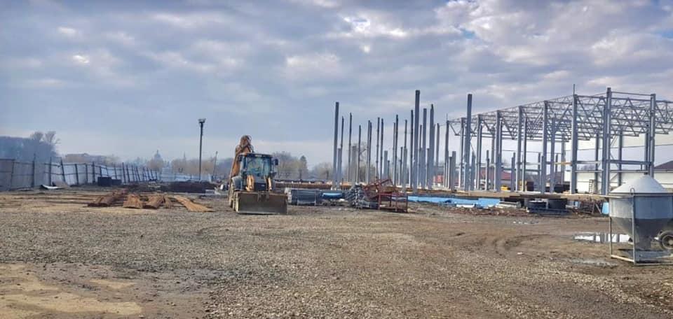 Басейну нема, 14 мільйонів вкрадені: поліція повідомила підозру підряднику з будівництва басейну в Коломиї (ФОТО)