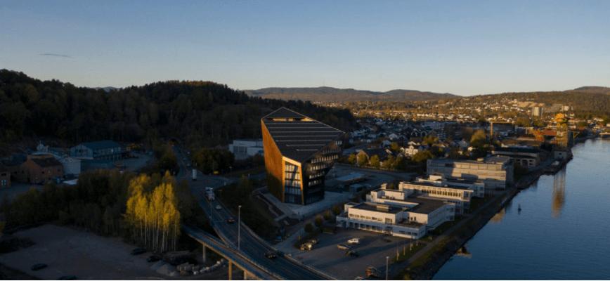У Норвегії побудували 11-поверховий офіс, який виробляє більше енергії, ніж споживає (ФОТО, ВІДЕО)