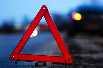 На Франківщині вантажівка з'їхала в кювет і перекинулася – травмувалися водій та пасажир