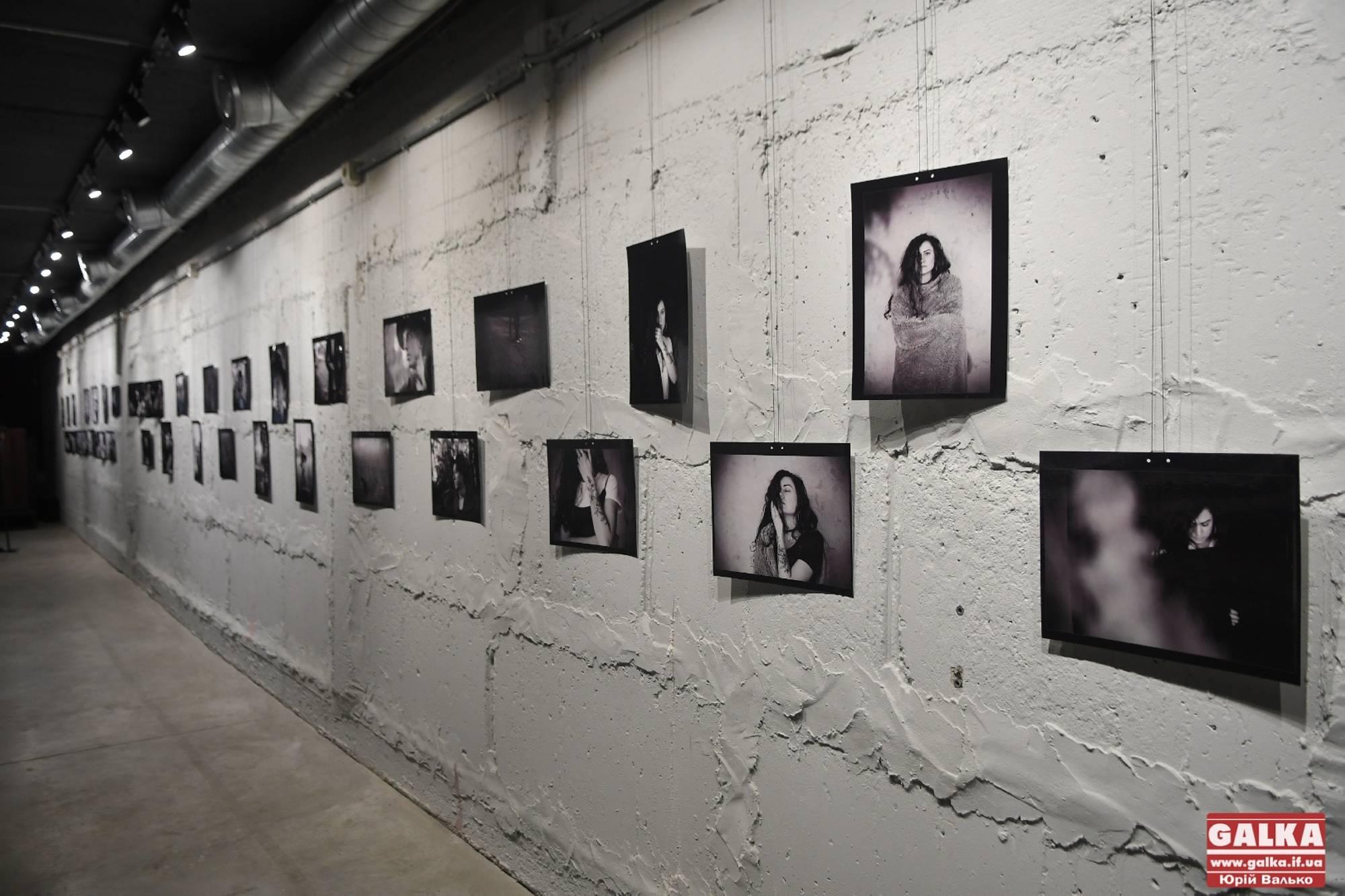 Портрети індивідуальності виставили в Івано-Франківську (ФОТО)