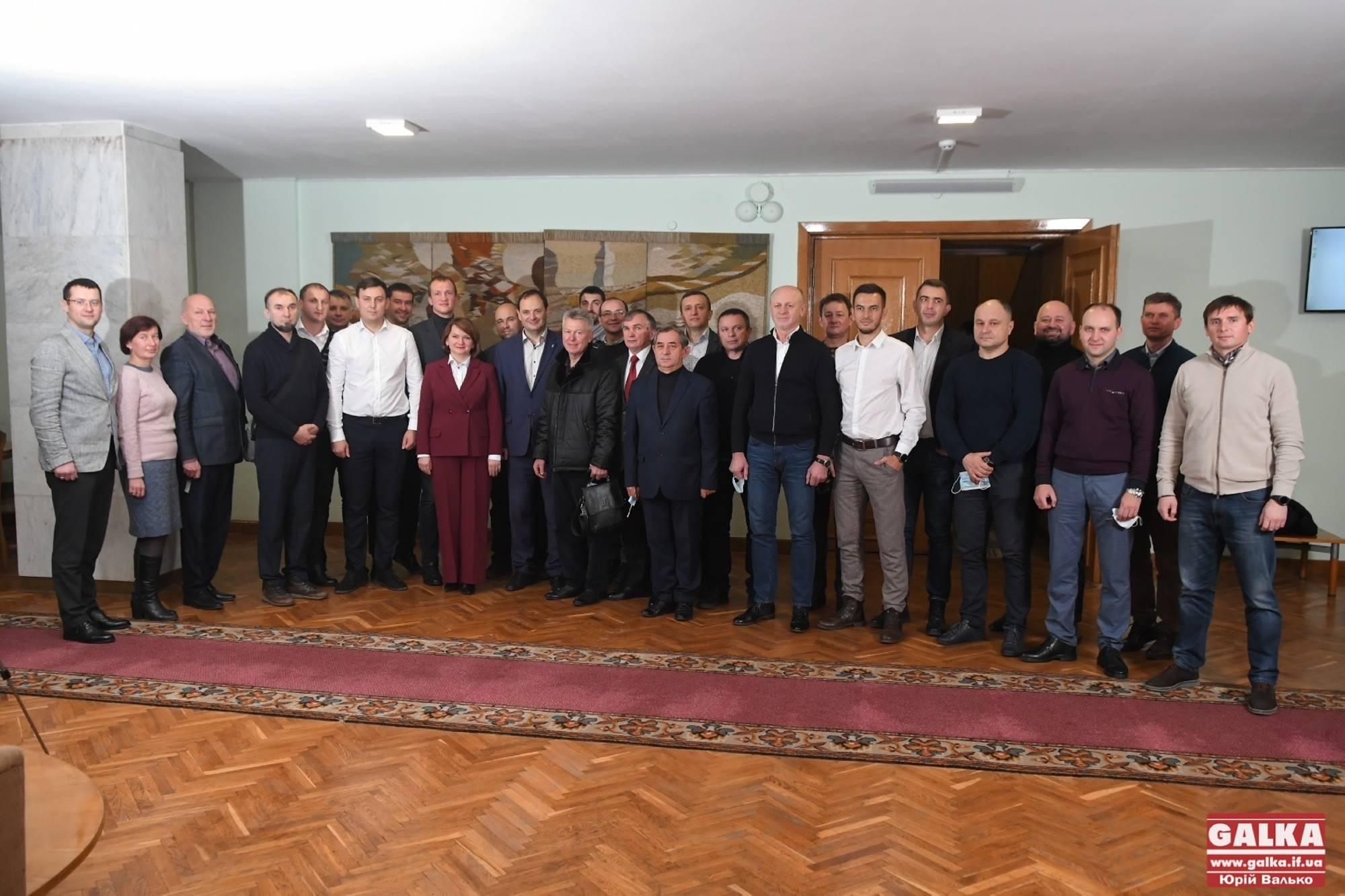 Остання сесія міської ради чинного скликання: прийняті рішення та пам'ятна світлина (ФОТОРЕПОРТАЖ)