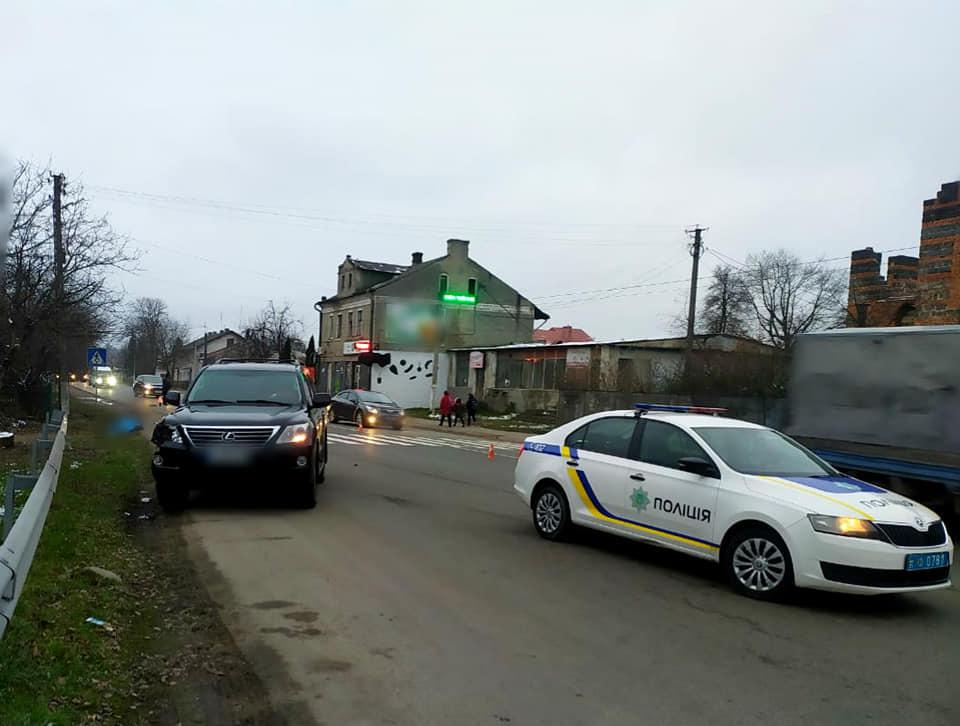 Удосвіта в Галичі 25-річний водій Лексуса смертельно травмував чоловіка (ФОТО)