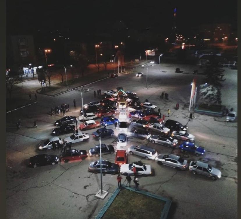 В Івано-Франківську вчора засяяла автоялинка (ФОТО)