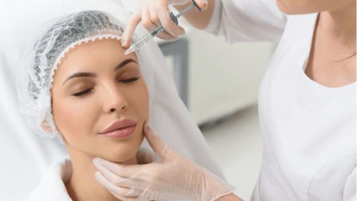 Чи важливо мати медичну освіту займаючись косметологією?