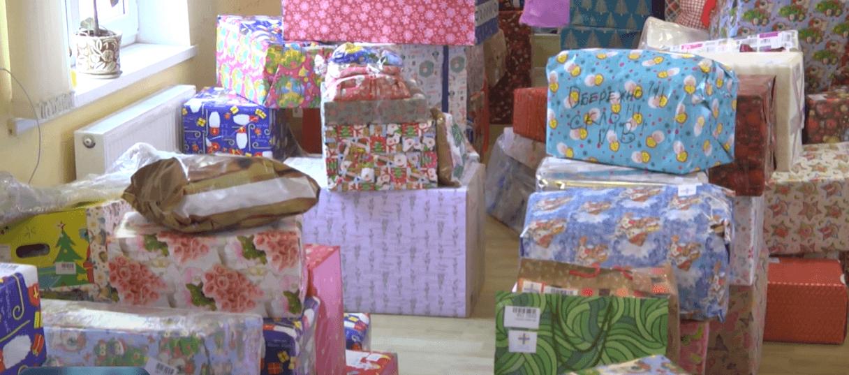 Здоров'я, мир та одяг: 801 бажання від діток отримали коломийські благодійники (ВІДЕО)
