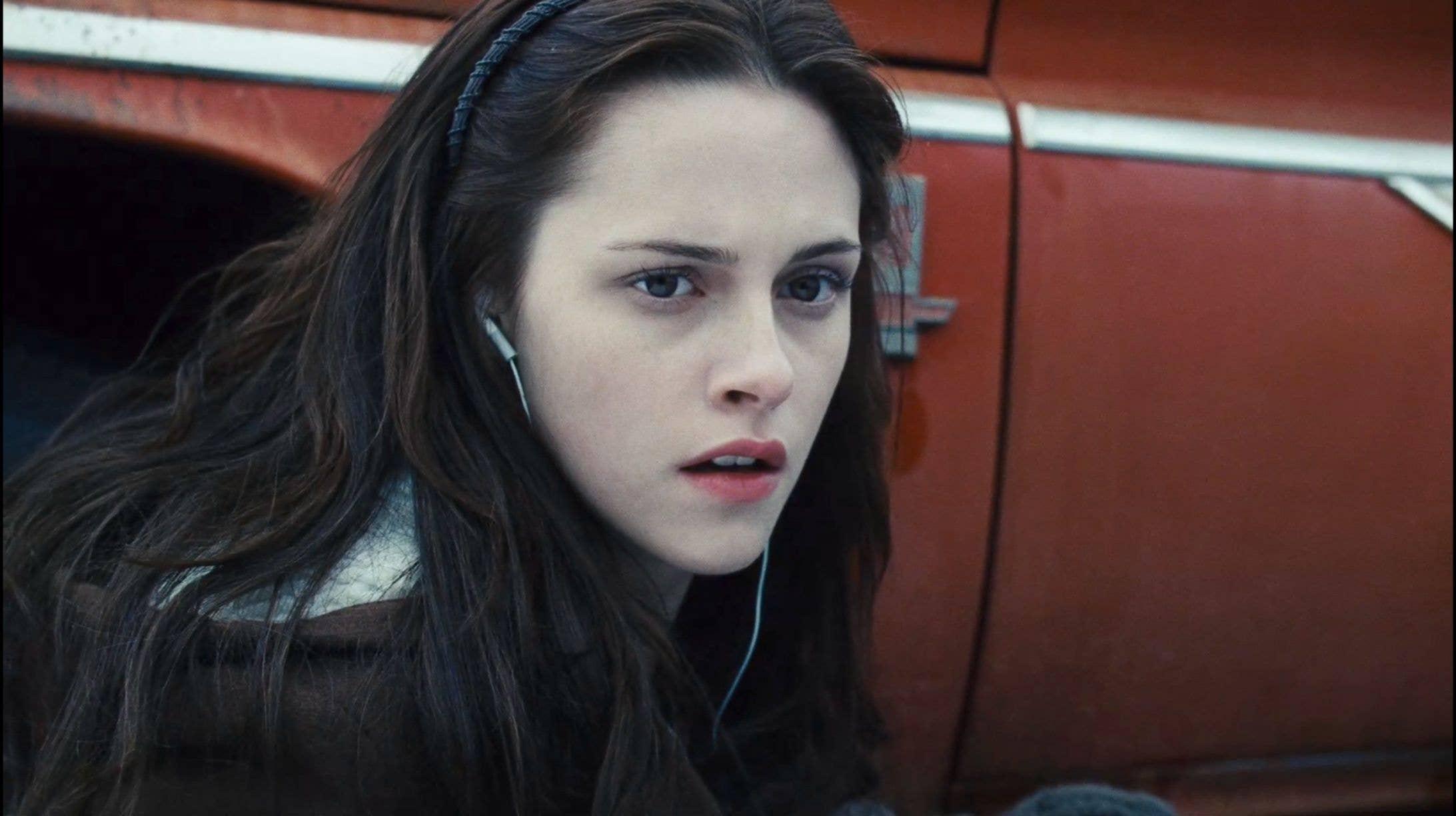 У мережі з'явилось епічне відео з усіма зітханнями Белли з Сутінок (ВІДЕО)