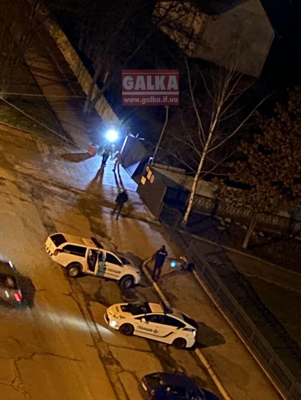 На вулиці Франківська знайшли гранату: її підірвали на місці (ФОТО)